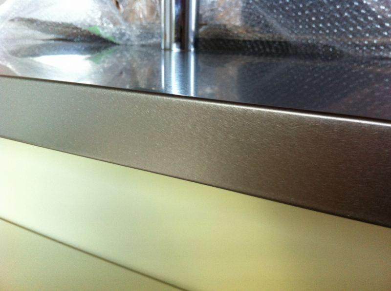 システムステンレスキッチン凹みキズ修理