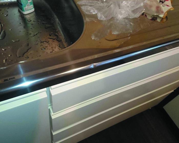 鏡面ステンレスキッチン天板凹み補修