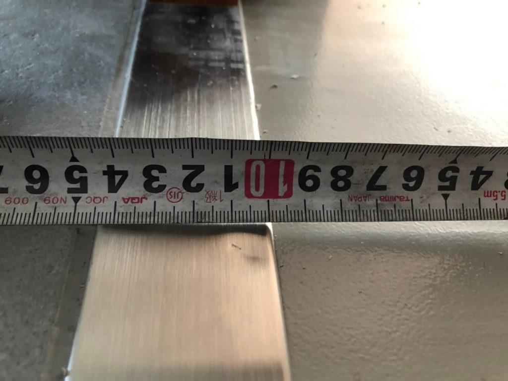 引ステンレス沓摺の凹み傷修理
