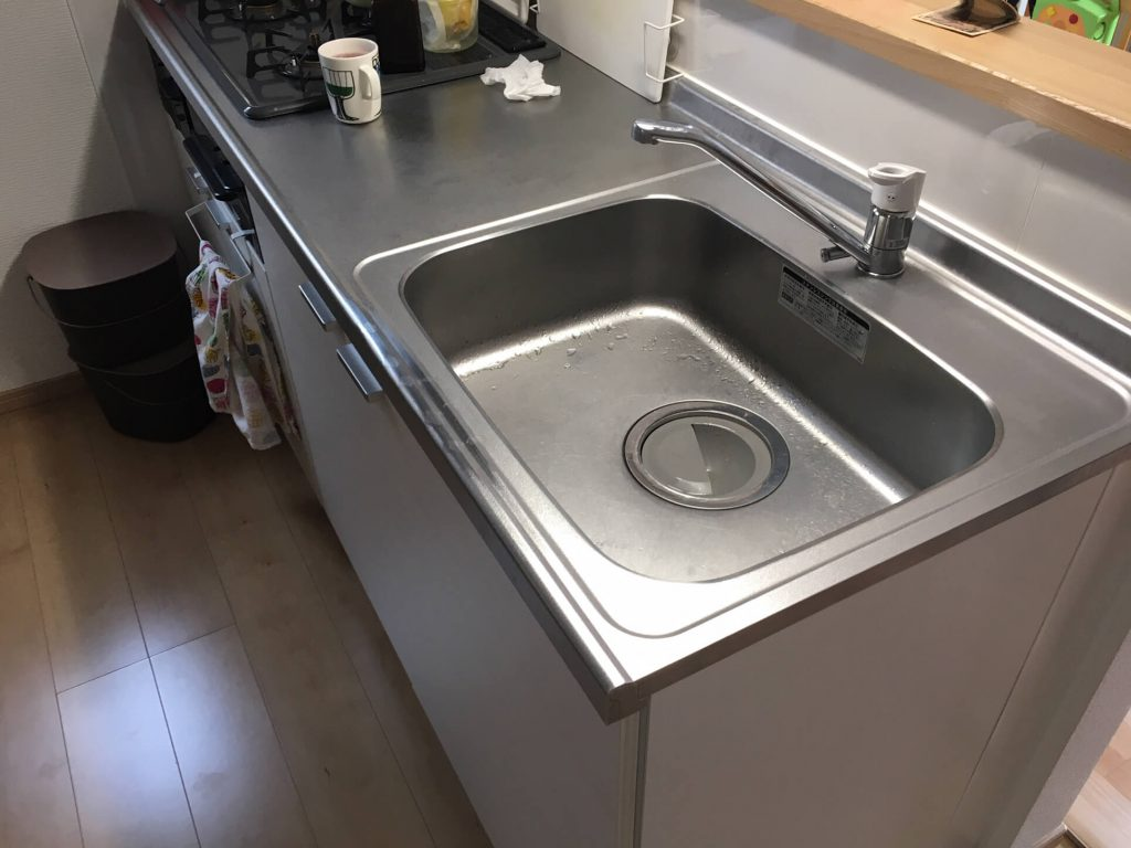 エンボスステンレスキッチンの凹み補修