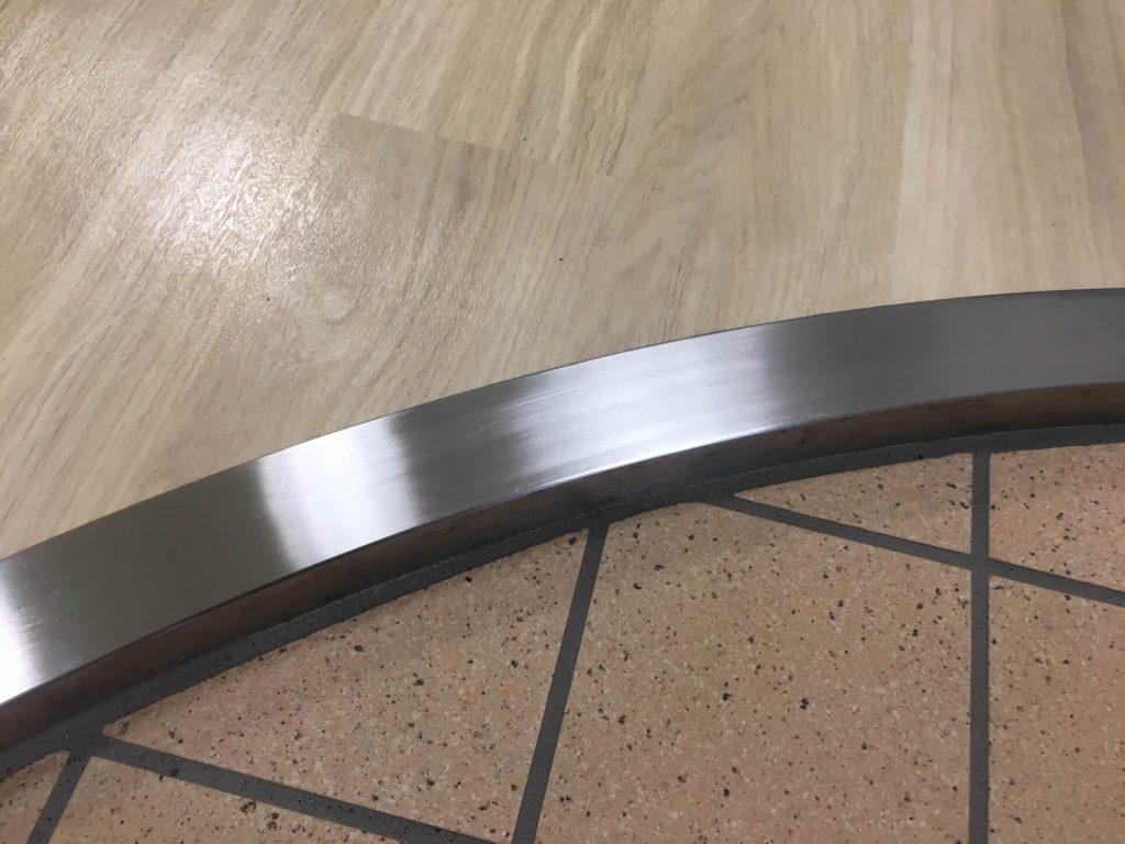 円形ステンレス上り框凹み修理