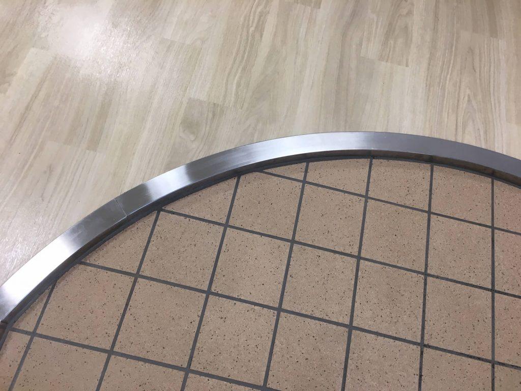 ステンレスの上り框凹み修理