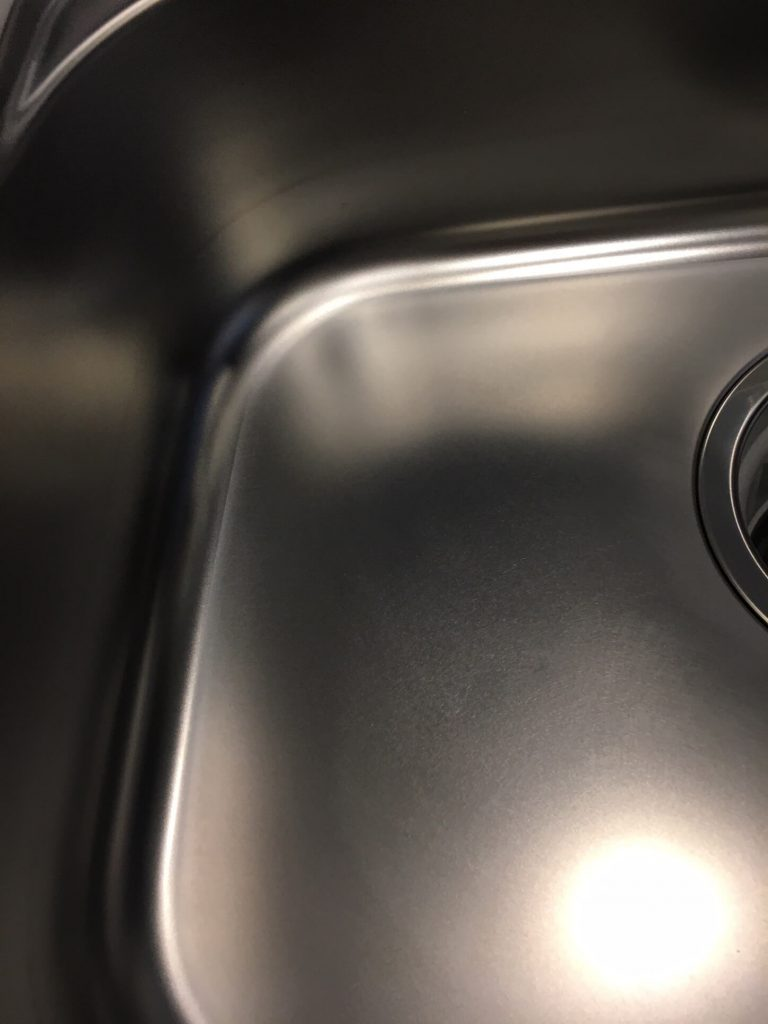 ステンレスキッチンシンク凹み修理