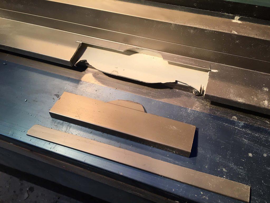 リクシル製樹脂サッシの割れ修理
