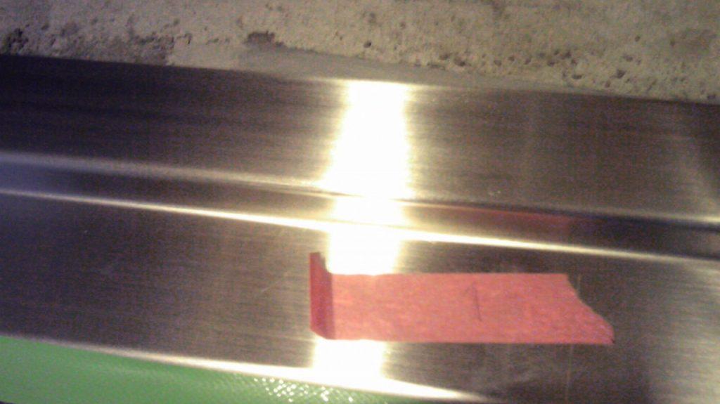 パイプスペース鉄扉下枠ステンレス沓摺凹み修理